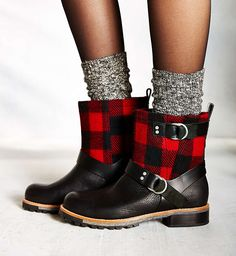Make a statement with plaid winter boots.
