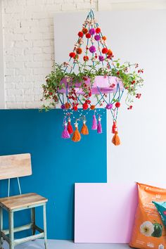 DIY Polish chandelier planter - The House That Lars Built Have we got a spring tutorial for you. It's inspired by my. Chandelier Planter, Old Chandelier, Chandeliers, Chandelier Makeover, Spring Tutorial, Solar Licht, Outdoor Light Fixtures, Outdoor Lighting, Diy Décoration