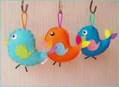 vilt Easter Crafts, Felt Crafts, Diy Crafts, Felt Kids, Felt Christmas Ornaments, Felt Applique, Felt Fabric, Essie, Wool Felt
