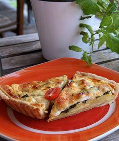 so und jetzt Quiche (c) STADTBEKANNT - Das Wiener Online Magazin | Wetter-Nohl Quiche, French Toast, Breakfast, Food, Weather, Food Food, Morning Coffee, Meal, Essen