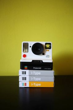 Trying to cure Monday blues with the Polaroid OneStep 2