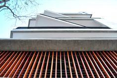 Edifício Residencial Trentino | Galeria da Arquitetura Architectural Features, Old Buildings, Stairs, Architecture, Design, Home Decor, Modern Architecture, Residential Architect, Architects