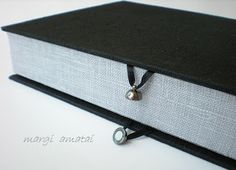 margi dalykai: lovely black & grey clamshell box with magnet clasp
