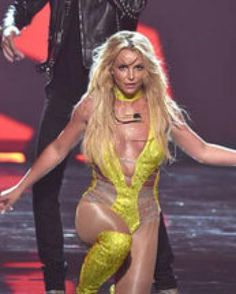 BRITNEY MTV VMA'S 2016 | Britney Spears Sparkles On Stage During First MTV VMAs…