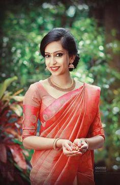 Kerala Engagement Dress, Engagement Saree, Bridesmaid Saree, Gold Bridesmaid Dresses, Prom Dresses, Wedding Dresses, Christian Wedding Sarees, Christian Bride, Wedding Silk Saree