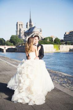 destination wedding in Paris, France - Notre Dame yolanda villagran photography
