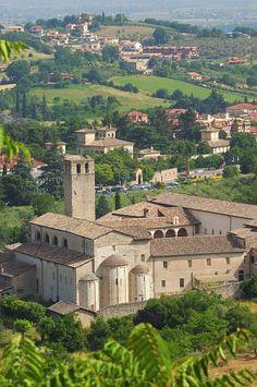 Italy, Umbria, Perugia Province, Spoleto, Townscape with San Ponziano monastery