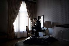 """NSA-Überwachung Paris-Attentate """"ein Weckruf"""" Die Geheimdienste geben Edward Snowden eine Mitschuld an den Paris-Attentaten. Durch seine Enthüllungen sei es sehr schwer geworden, die Terroristen zu überwachen."""