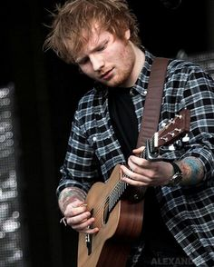 Lord give me strength for I am weak when it comes to Ed Sheeran. 5sos Lyrics, One Direction Lyrics, Taylor Swift Hair, Taylor Swift Facts, Ed Sheeran Love, I See Fire, Red Taylor, People Fall In Love, Jesy Nelson