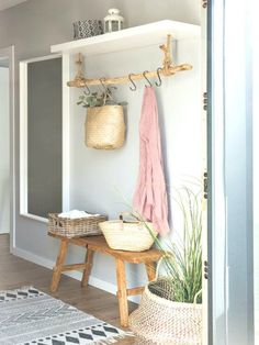 This entryway setting but with a modern vibe – Wohnung – Decoration Living Room Decor, Bedroom Decor, Decor Room, Living Rooms, Wall Decor, Farmhouse Kitchen Decor, Rustic Farmhouse, Country Kitchen, Organizing Your Home