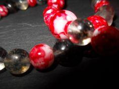 Hübsches Armband aus wunderschönen handbemalten Glasperlen und Watermelon Perlen. http://de.dawanda.com/product/36955957-Glasperlen-Armband