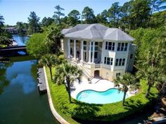 Breathtaking Harbourfront Living in Wexford Plantation. 4 Knightsbridge Lane, Hilton Head, SC, 29928. Homes for sale.