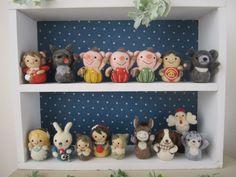 【~のあわん日和~】Feltneedle wool Wool Dolls, Felt Dolls, Felt Crafts Diy, Felt Diy, Felted Wool, Wool Felt, Softies, Plushies, Felt Animals