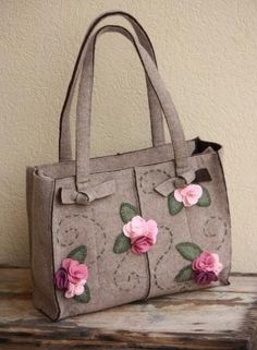 Women's Bags & Handbags for sale Patchwork Bags, Quilted Bag, Handmade Handbags, Handmade Bags, My Bags, Purses And Bags, Felt Purse, Embroidery Bags, Craft Bags