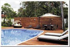 * CASA NOSTRA *: Abril 2011 O deck abaixo feito com revestimento cimentício imita a madeira mas é bem mais resistente.