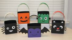 DIY Halloween Party Favor Bags 10 Favors Ready by ItsTwinkleTime - Christmas Deesserts Dulceros Halloween, Halloween Goodie Bags, Halloween Party Invitations, Halloween Goodies, Halloween Crafts For Kids, Toddler Halloween, Halloween Treats, Halloween Decorations, Party Favor Bags