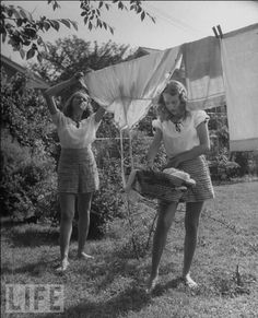 girls hanging laundry by nina leen - life magazine 1947