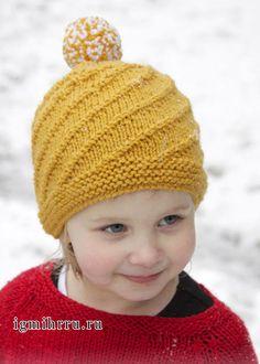 Шерстяная шапочка горчичного цвета с помпоном, для девочки. Спицы