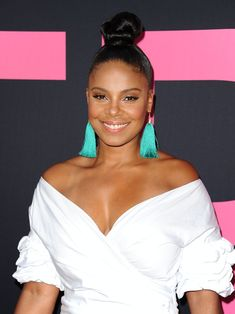 Remember That Time Sanaa Lathan Wore Twists? A Look Back At The Actress's Most Memorable Hair Moments Knot Bun, Top Knot, Ponytail Hairstyles, Wedding Hairstyles, Vintage Hairstyles, Sanaa Lathan, Pin Up Hair, Beautiful Black Women, Beautiful Things