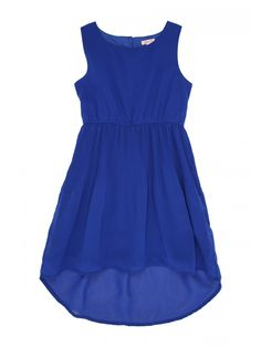 This older girls' mid blue pleated dress is a stylish choice for parties and social events. With a dipped hem at the back and a gathered waist, this dress is...