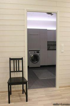 Valontalo │Laundry Room  http://emiliakarenina.blogspot.fi/2014/01/kolmen-oven-risteyksessa.html  #scandinavianhome  #laundryroom  #valontalo