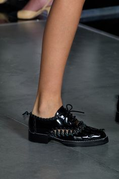 Runway pictures from the Louis Vuitton show at Paris Fashion Week Spring Vogue, All Black Sneakers, Combat Boots, Shoe Boots, Christian Louboutin, Oxford Shoes, Slip On, Shopping, Slippers