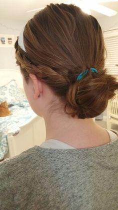 Lol i tried to do my hair like jenny humpfrey and i kinda failed sooo