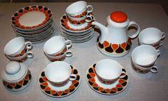 Vintage servies voor koffie, thee en gebak met funky dessin in oranje, geel en bruin voor elf personen van Eschenbach Bavaria, seventies | Mokken, kopjes & schoteltjes | TrendyRetroDesign