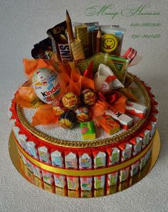 ru / Photo # 111 - Cakes made of sweets - monier- Gallery.ru / A photo # 111 – Cakes made of sweets – monier - Chocolate Pack, Chocolate Gifts, Cookie Bouquet, Candy Bouquet, Homemade Gifts, Diy Gifts, Edible Bouquets, Chocolate Wrapping, Sweet Trees