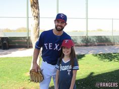 Nick Martinez smiles with a fan.