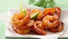 Caramelized Chili Shrimp: Quick-to-cook shrimp means you can get this spicy appetizer on the table in just 15 minutes! Spicy Appetizers, Appetizer Recipes, Dinner Recipes, Delicious Appetizers, Yummy Food, Chili Shrimp, Spicy Shrimp, Coconut Shrimp, Garlic Shrimp
