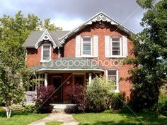 Red brick house — Stock Photo #3350553