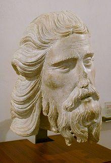 Tino di Camaino (1280 - 1337) was een Italiaanse beeldhouwer die in de gotische stijl werkte. Johannes de Doper, in het Museo dell'Opera Metropolitana del Duomo te Siena. Circa 1320