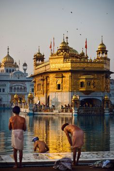 Guiddoo World Travel India Travel Guide, Asia Travel, Temple D'or, Temple Indien, Golden Temple Amritsar, Weather In India, Monuments, Backpacking India, Amazing India