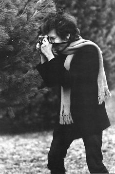 Bob Dylan with what is probably aNikon SP Rangefinder