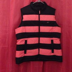 New Vineyard Vines Puffer Vest Vineyard Vines Stripe Vest Brand New!!!! Vineyard Vines Jackets & Coats Vests