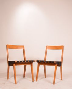 Hey, I found this really awesome Etsy listing at https://www.etsy.com/listing/238015978/pair-of-jens-risom-666-side-chairs-for