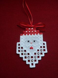 Red Christmas, Handmade Christmas, Christmas Ornaments, Hardanger Embroidery, Embroidery Patterns, Xmas Crafts, Ornament Crafts, Cross Stitch Fabric, Linens And Lace