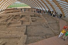 Çhatalhüyük: a very large Neolithic & Chalcolithic settlement in S Anatolia, which existed from about 7500-5700 BC. It is the largest & best-preserved Neolithic site found to date