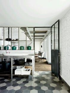 Cool modern kitchen, amazing floors