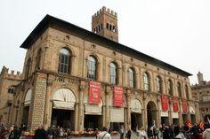 Palazzo del Podestà by @wworldit
