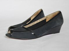 1980s Navy Ferragamo Wedges || Vintage 80s Salvatore Ferragamo Blue Suede Sandals || Designer Peep-toe Shoes Size 6 US || Made in Italy