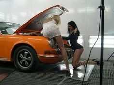 Page pcars and babes thread Porsche Technical Discussions Auto Girls, Car Girls, Porsche Classic, Ford Mustang Gt, Mustang Girl, Porsche 911, Porsche Carrera, Hot Rods, Benz