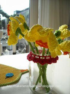 Crochet Gratis, Easter Crochet, Daffodils, Crochet Flowers, Needlework, Free Pattern, Crochet Patterns, Bouquet, Knitting