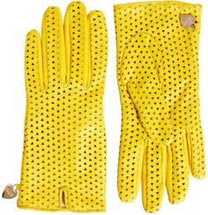 Shop Moschino Cheap & Chic Perforated Heart Gloves at ASOS. Gloves Fashion, Fashion Bags, Fashion Accessories, Mitten Gloves, Mittens, New Handbags, Ladies Handbags, Ladies Bags, Estilo Fashion