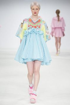 See all the Collection photos from Liverpool John Moores Autumn/Winter 2015 Ready-To-Wear now on British Vogue Pastel Fashion, Colorful Fashion, Cute Fashion, Look Fashion, Runway Fashion, High Fashion, Fashion Show, Womens Fashion, Fashion Details