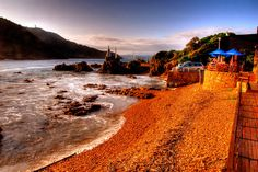 Like any country of South Africa's size, travelling in South Africa can be tricky. Here are my personal Top 10 places to visit in South Africa. World Most Beautiful Place, Beautiful Places To Live, Most Beautiful Beaches, Great Places, West Africa, South Africa, Namibia, Rock Pools, World Of Color