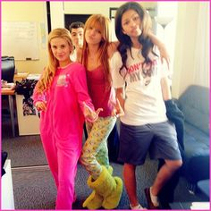 "Caroline Sunshine, Bella Thorne And Zendaya Coleman Wear Pajamas To Work On The Set Of ""Shake It Up"""