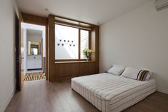 Gallery - Townhouse with a Folding-Up Shutter / MM++ architects - 16