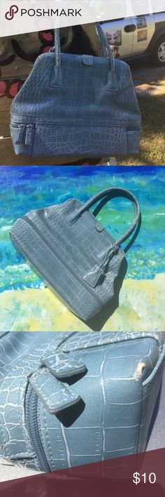 """Snap up some slate blue handbag action 11""""x8"""". 5"""" strap drop. 3"""" wide at base. Worn corners shown. I love this color. It is a light blue with slate grey tone.  SNAP top - OF COURSE. RhondaK is a Florida folk artist that sells mermaids and funny bar signs. She's POSHING her way to better shoes and paints. 20% OFF 🎯🎯🎯🎯bundle two 💥💥💥💥or more items!! Nine West Bags"""